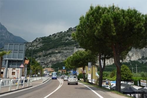 garda_road